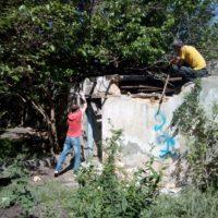 Демонтаж разрушенных сараев